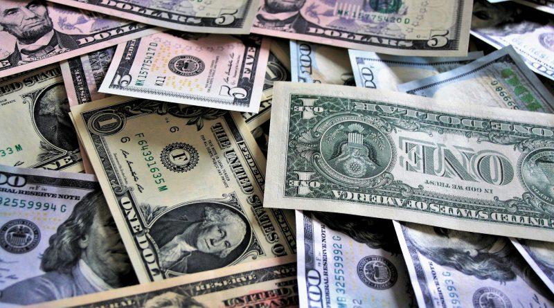 na zdjęciu widnieją amerykańskie dolary