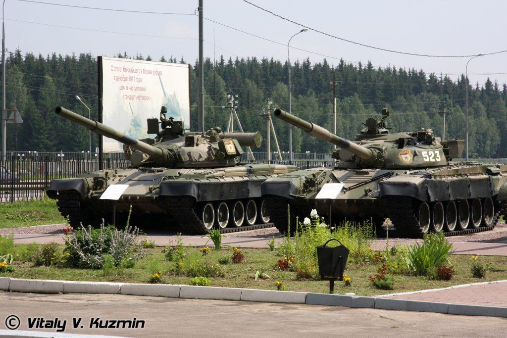 Czołgi T-80B i T-72A były wykorzystywane przez armię rosyjską w mieście Grozny