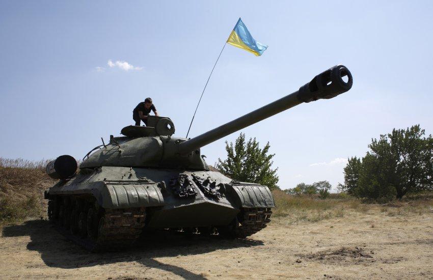 Ten sam IS-3 przejęty już przez siły ukraińskie. (Źródło: http://ftr.wot-news.com/2014/08/13/is-3-in-ukraine-forces-hands/)